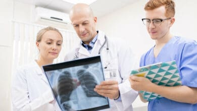 Photo of 10 Questions Pre-Med Students Need to Ask When Shadowing a Doctor